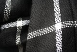 Zwart witte sjaal detailfoto