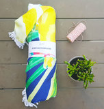 Scarfz badstof rond strandlaken roundie gele bloemen