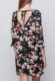 Scarfz little black dress bloemenprint roze rood blote rug