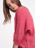 Scarfz stijlvolle musthave trui Ange paris Lelala malabar cerise roze rood