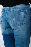 Scarfz-mom-spijkerbroek-met-doek-en-bloemdetail-geborduurd