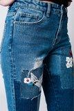 Scarfz-denim-mom-spijkerbroek-met-doek-en-bloemdetail-embroidery