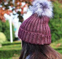 Warme dames muts Freezeproof|Rood burgundy glitter|Gebreide beanie|Nepbont pompom