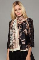 Lange dames sjaal Lucious Rose|Lange shawl|Zijden sjaal|Rozen print|Poederroze coffee