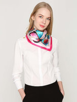 Vierkant sjaaltje Butterfly|Blauw roze multi|Vierkante sjaal|Zijdezacht sjaaltje