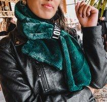 Trendy groene sjaal Furry Love|Lange dames sjaal|Fake fur|Nepbont