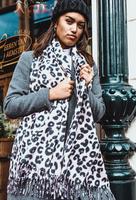 Lange zachte dames sjaal Head is a Jungle|Roze zwart|Luipaard