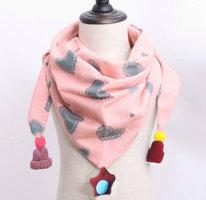 Leuke meisjes sjaal Pink Love|Roze driehoek sjaal meisjes|Luchtige sjaal|Hartjes print