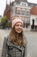Warme dames muts Velvet Days|Roze|Gebreide beanie|Nepbont pompom