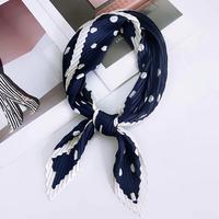 Zijdezachte sjaal Crinkle Dots Vierkante shawl Satijn Blauw wit