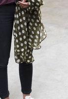 Lange dames sjaal Green Dots|Lange shawl|Stippen|Groen wit