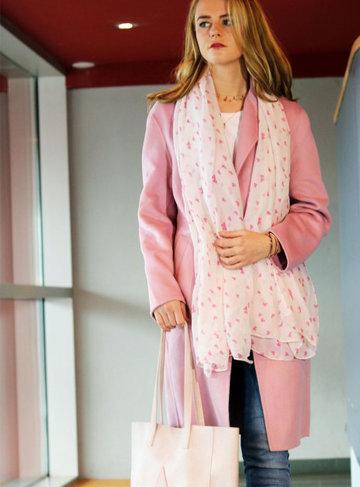 Lange dames sjaal Smashing hearts Lange shawl Wit roze Hartjes