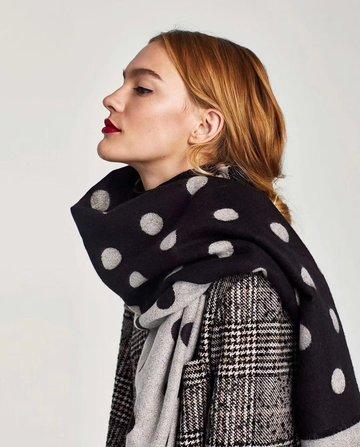 Warme dames sjaal Cozy Dots|Zwart lichtrijs|Dikke kwaliteit|Stippen