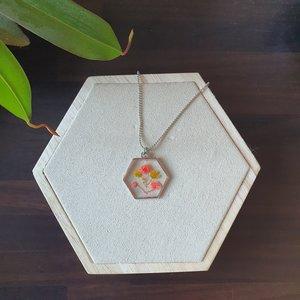 Leuke ketting Cuties|Bloemenkunst|Zilverkleurige ketting