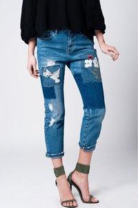 Scarfz-mom-spijkerbroek-met-doek-en-bloemdetail-geborduurd-achterkant