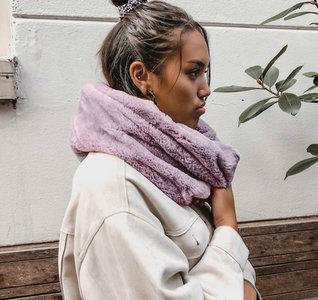 Scarfz faux fur col sjaal beige roze grijs blush pink